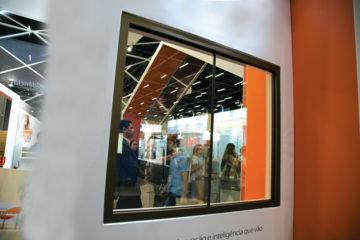 Janela padronizada é o principal lançamento do vidro durante a Feicon
